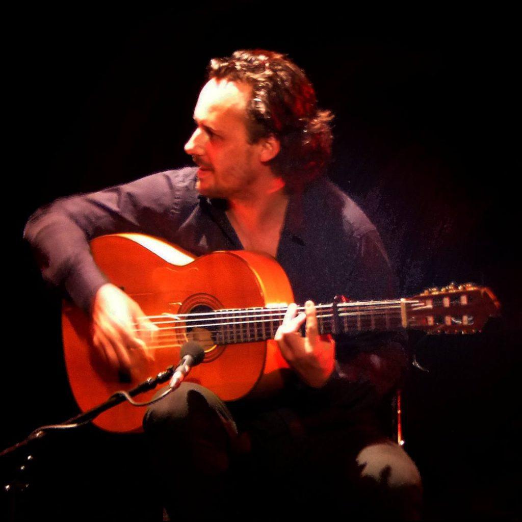 Guillermo Guillén 22