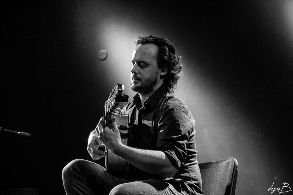 Guillermo Guillén Guitar N&B 3
